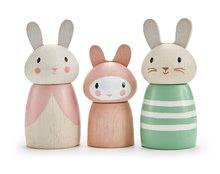 Drevená zajačia rodinka Bunny Tales Tender Leaf Toys otec a mama so zajačikom